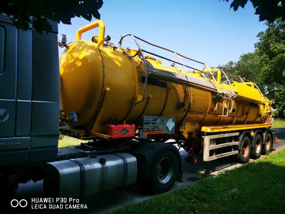 For sale: Whale 2011 316 stainless steel ADR vacuum tanker 30.000 litre